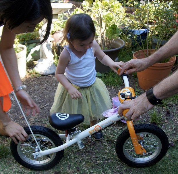The Perfect Bike For A 3 Year Old Girl The E 200l Byk Kids