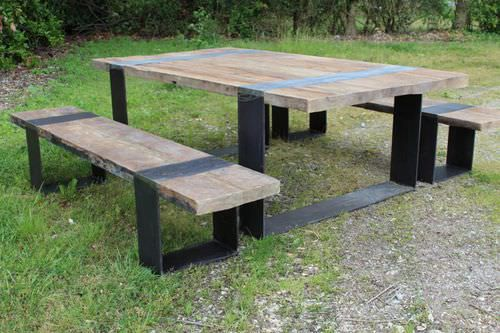 Ensemble table et bancs contemporain en bois ext rieur for Ensemble jardin exterieur