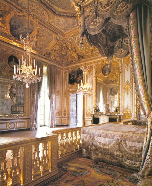 Outstanding Marie Antoinettes Bedroom Versailles Clodagh Palace Of Home Interior And Landscaping Palasignezvosmurscom