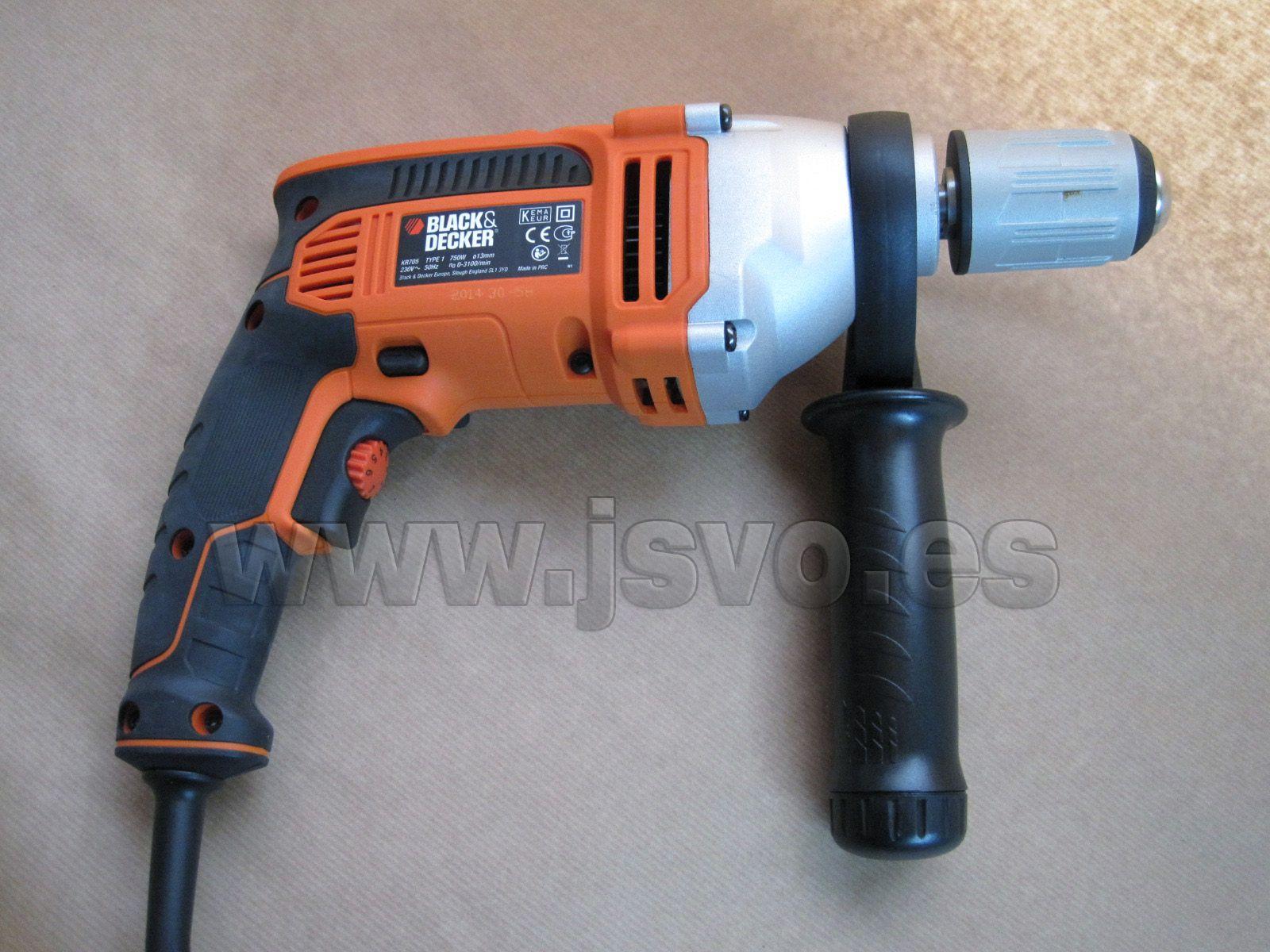 Taladro percutor 750W con caja de herramientas y 21