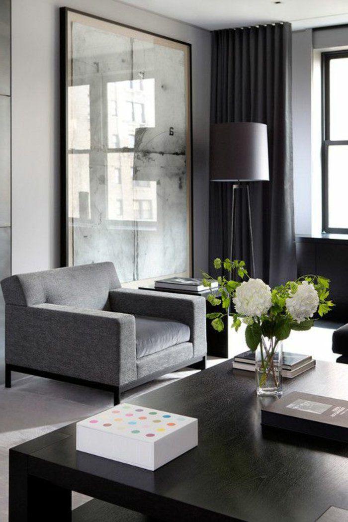 großes Wandbild in weißer Farbe das das Licht von Fenster - farbideen wohnzimmer grau