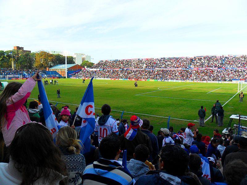 Archivo:Nacional vs Defensor Sporting.jpg