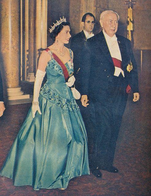 Queen Elizabeth Gowns   HM Queen Elizabeth Evening Gowns   QUEEN ...