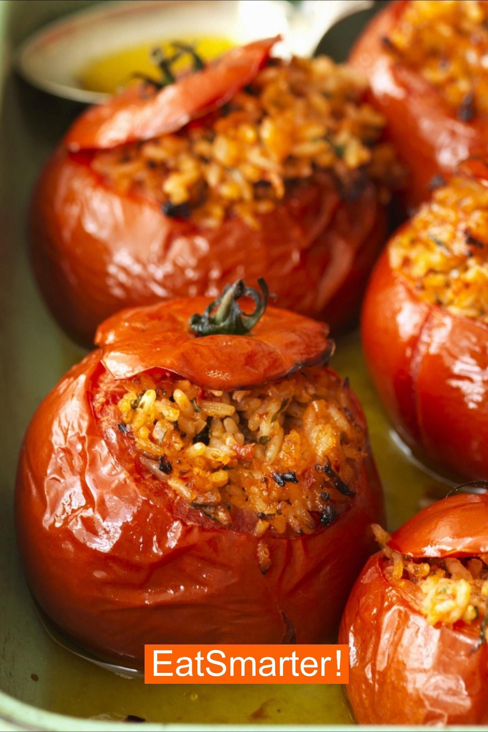 Ofengemüse: Gefüllte Tomaten aus dem Ofen | EAT SMARTER -  Ofengemüse: Gemüse-Fans aufgepasst: Die gefüllten Tomaten aus dem Ofen liefern wertvolles Vitami - #aus #dem #eat #gefullte #HealthyVegetableSoups #Ofen #ofengemuse #smarter #tomaten #VeganRecipes #VegetarianRecipes