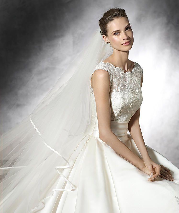 LAUDIN - Robe de mariée, toute en simplicité, silhouette princesse ...