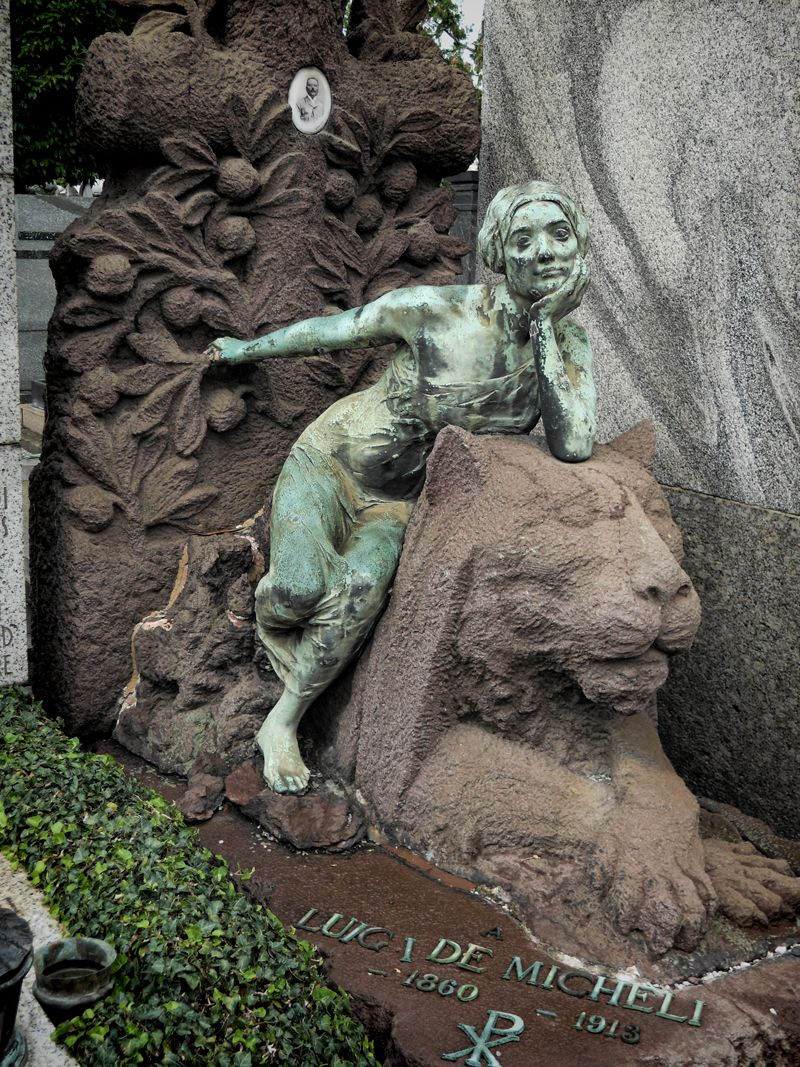 Lion & girl by the great italian sculpter Enrico Butti, tomb of Luigi de Mecheli, Cimitero Monumentale di Milano, photo: Denis Izoroc