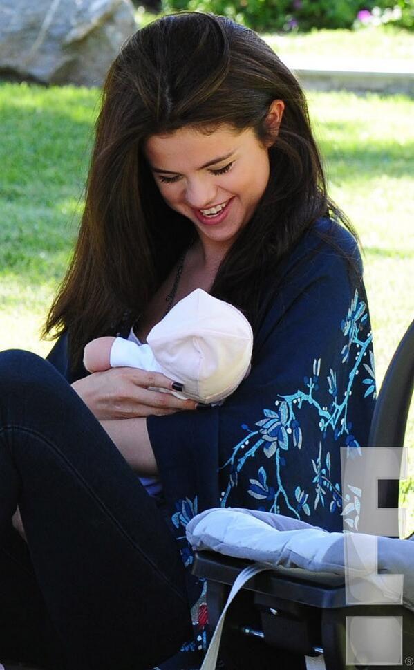 Selena and baby sister Gracie