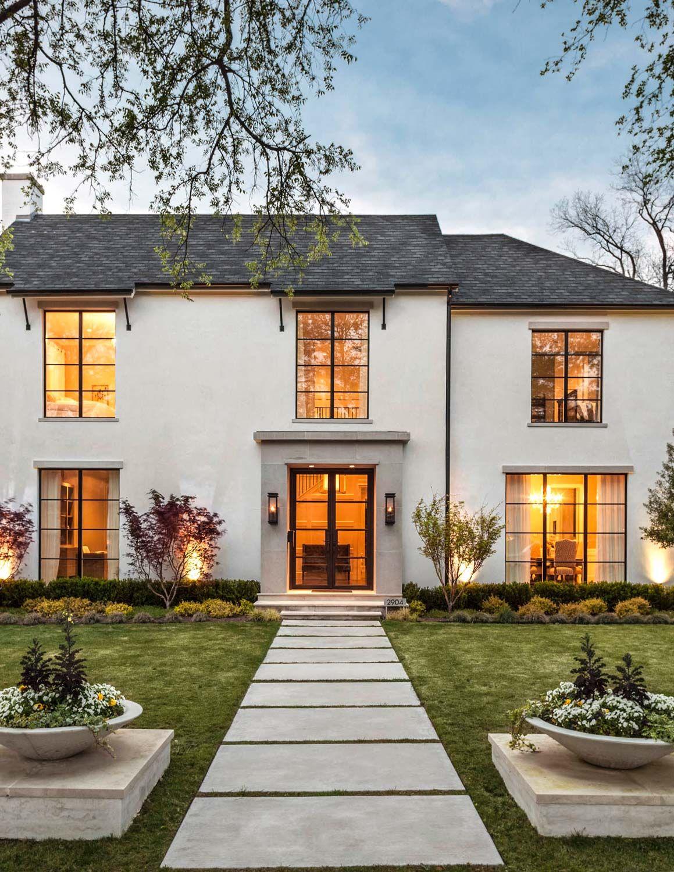 Exterior robert elliott custom homes exterior love for Custom home exterior design