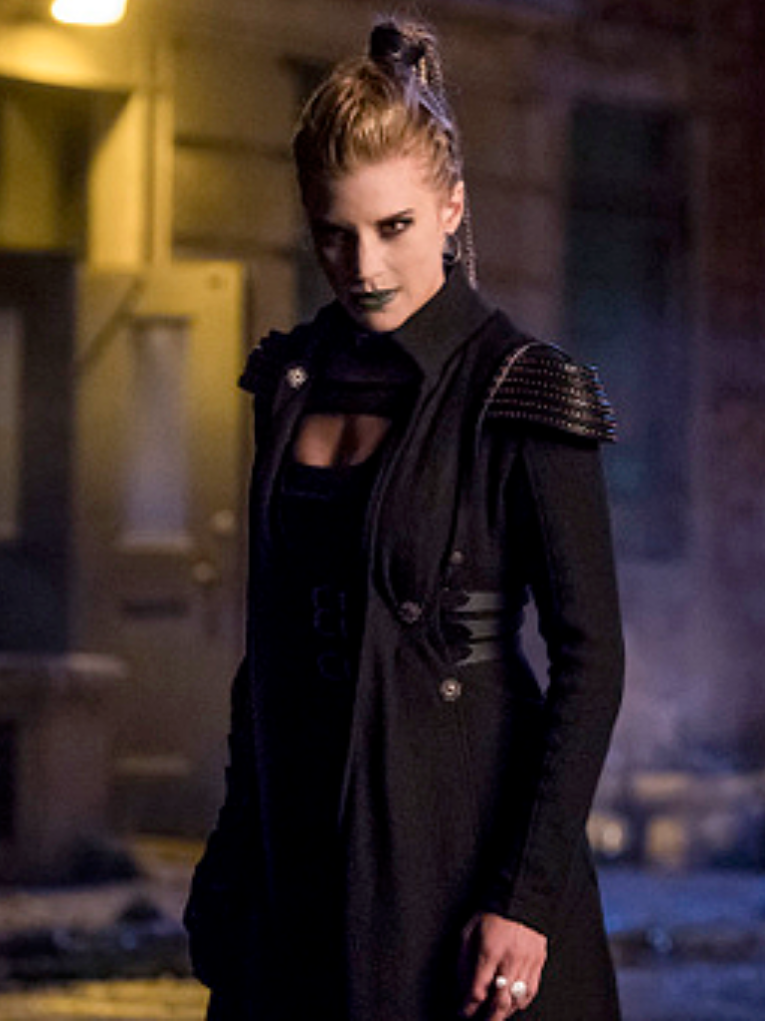 Katee as Amunet Black on The Flash | Katee Sackhoff in 2019