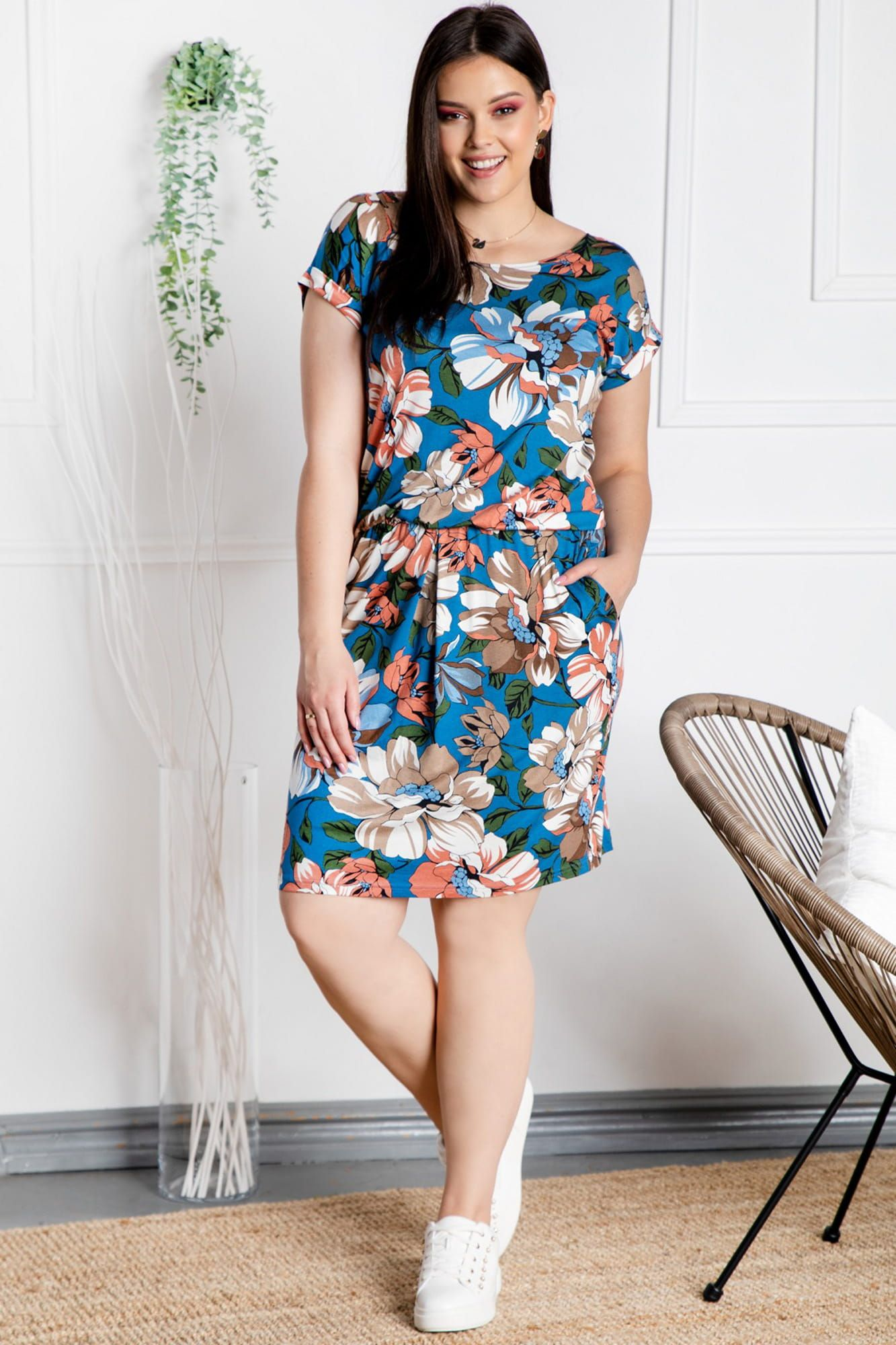 Sukienka Dresowa Manam Dzianinowa Gumka W Talii Niebieska W Kwiaty Akwarela Fashion Dresses With Sleeves Short Sleeve Dresses
