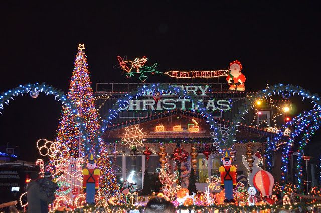 Spectacular Christmas lights, Toronto, Canada The Style and Travel