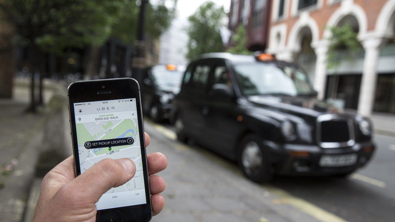 If You're Even Two Minutes Late, Your Uber Driver Could Slap You With an Additional Late Fee