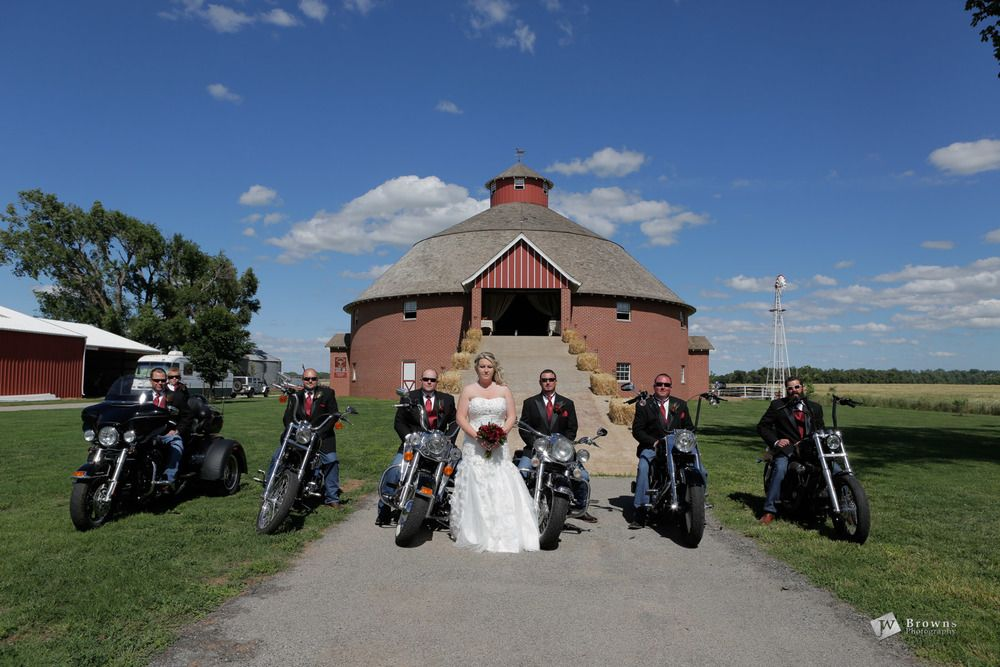 motorcycle wedding at the round barn in pond creek