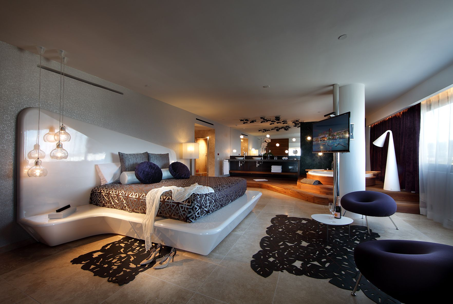 Stupendous Im On The Top Of The World Suite The Ushuaia Tower Download Free Architecture Designs Oxytwazosbritishbridgeorg