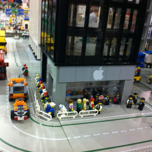 Apple Store | LEGO | Pinterest | Apples, Lego and Legos