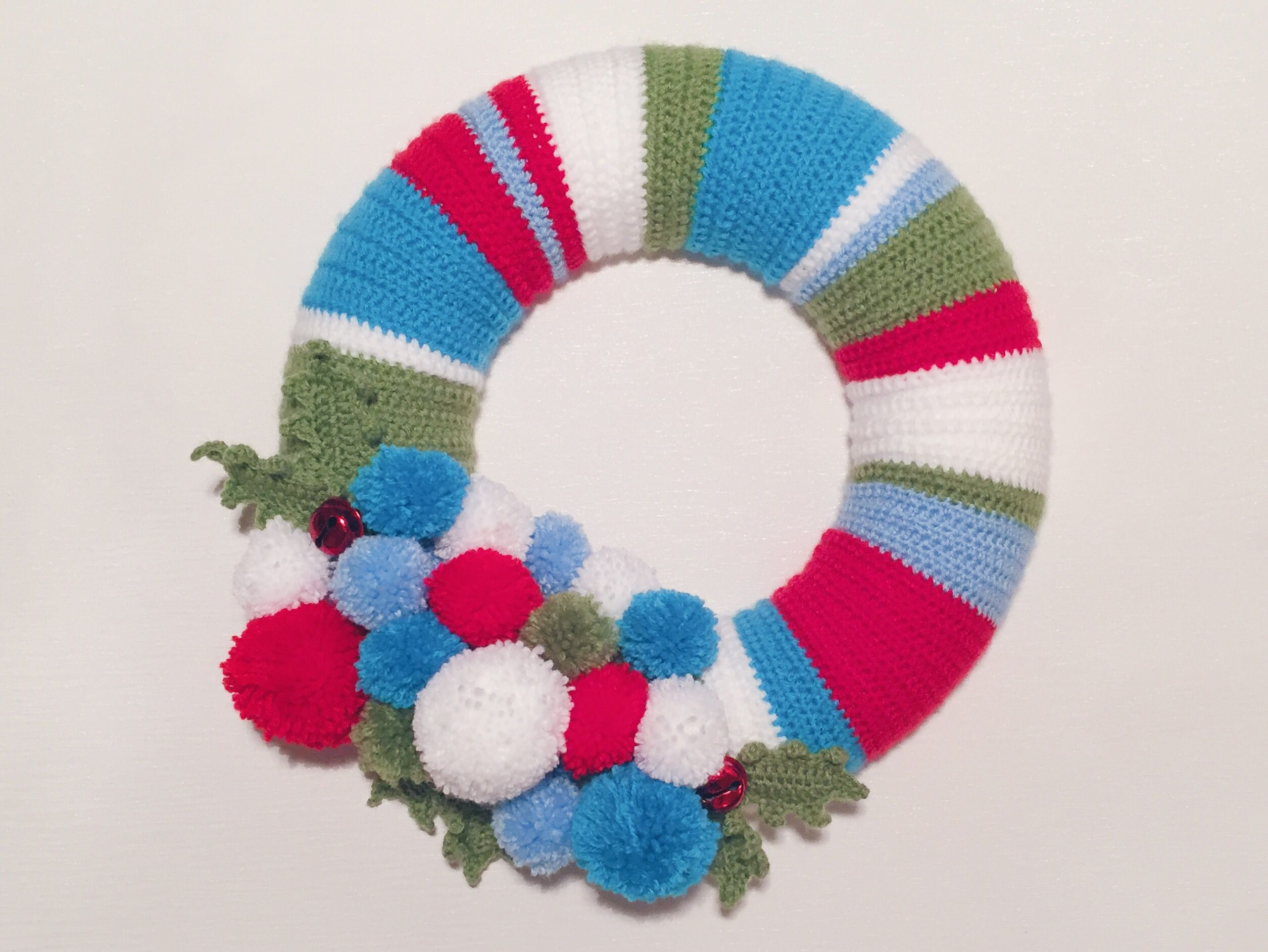 Photo of Christmas crochet wreath design. Use up scraps of yarn and create a beautiful Ch…