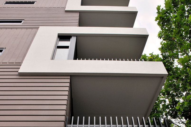 Skyline works equally well on parapets and balcony heads to provide new and innovative design features.