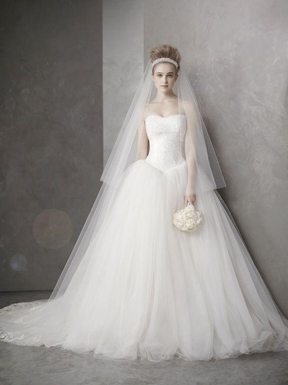 Vera Wang Wedding Dresses That Inspire Modwedding Ball Gowns Wedding Ball Gown Wedding Dress Vera Wang Wedding