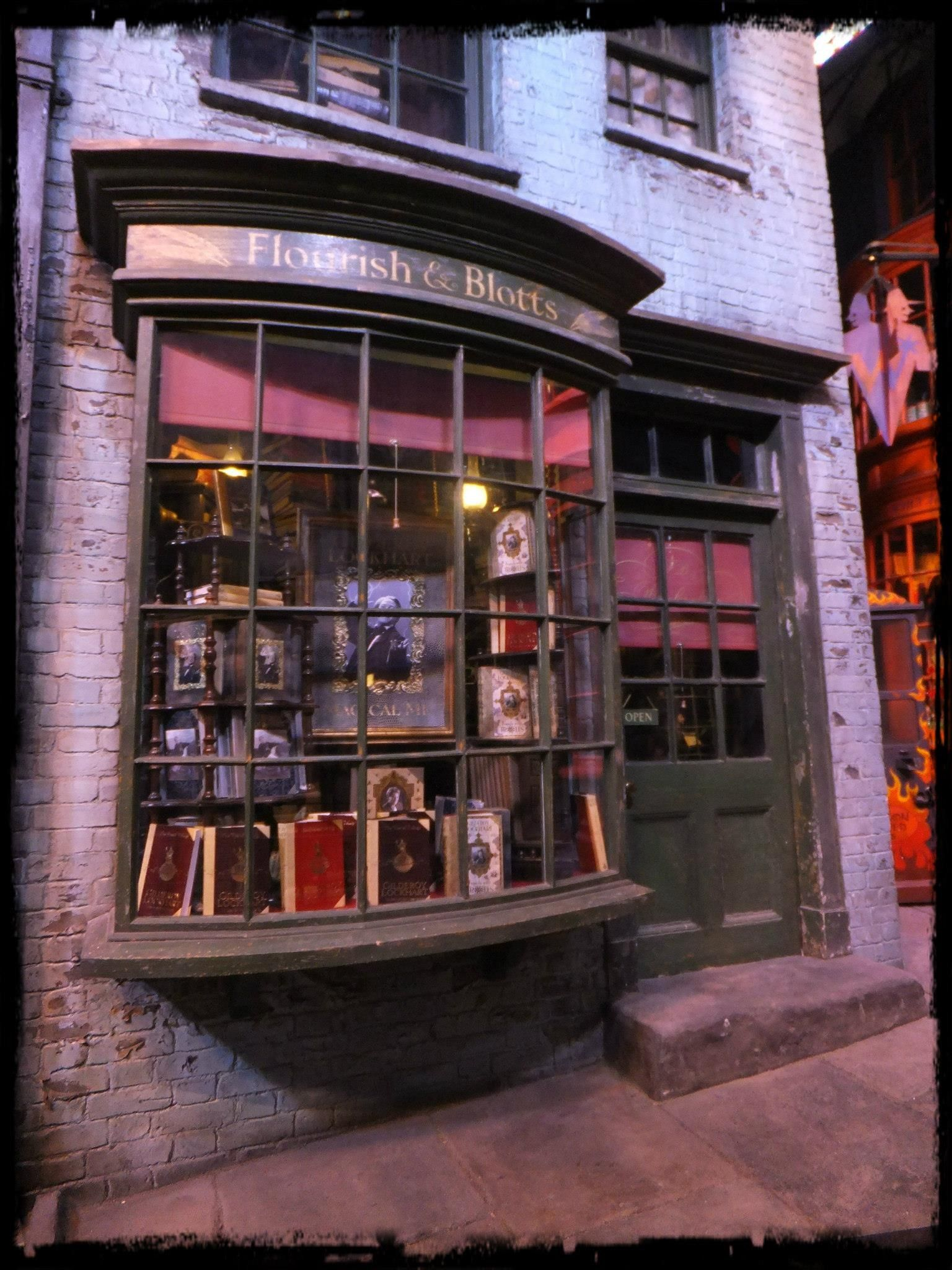 Flourish And Blotts Harry Potter Studio Tour Harry Potter Love Harry Potter Studios