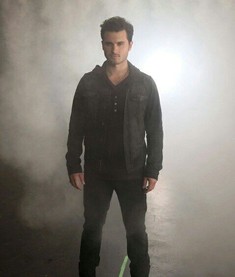 Michael Malarkey as Enzo ❤