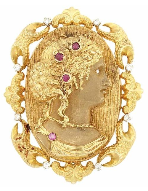 What do you think of this gold, diamond, and ruby brooch? (Via Doyle New York.) | Diamonds in the Library