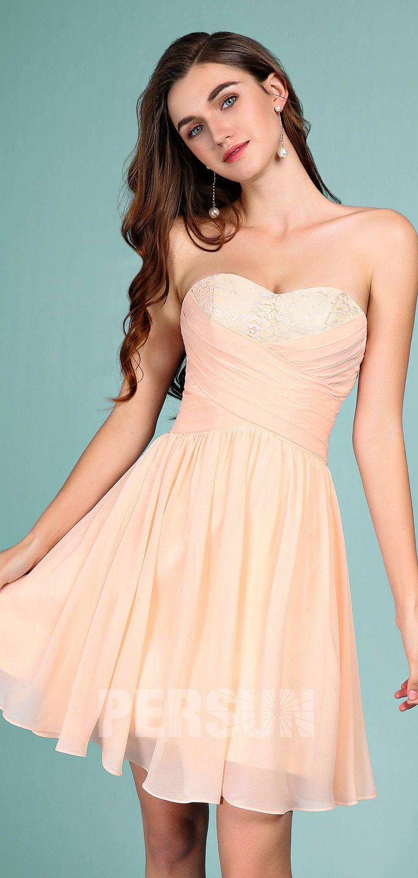 6de83eaf81595 robe demoiselle d honneur couleur nude bustier coeur appliqué de dentelle