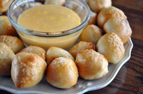 Pretzel Bites with Spicy Cheddar Cheese Dip! perfect for a movie night at home :D