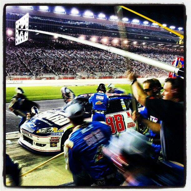 """Photo by @teamhendrick on Instagram: """"#88 pit crew working fast tonight during a quick pit stop for #DaleJr @amsupdates."""""""