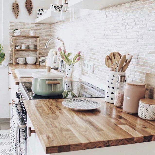 "Polubienia: 1,047, komentarze: 14 – HomeHome.cz (@homehome.cz) na Instagramie: ""Spring inspiration 🌸🌷🌼 #kitchendesign #kitcheninterior #myhomedecor #homeinspo4you #homeinspiration…"""