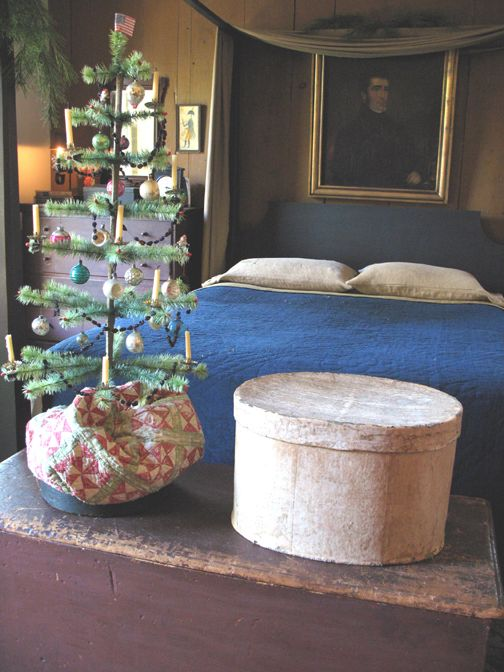 Love This Colonial Bedroom With The Simple Feather Tree Christmas Bedroom Primitive Christmas Prim Christmas
