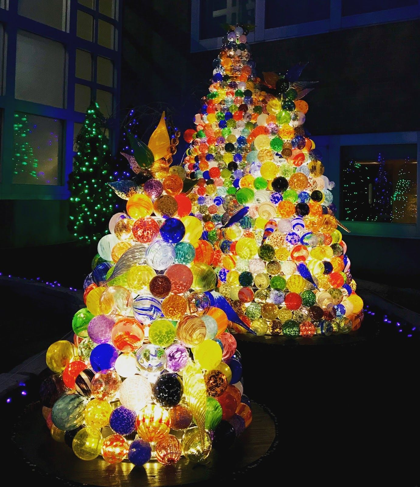Christmas glass display at Franklin Park Conservatory