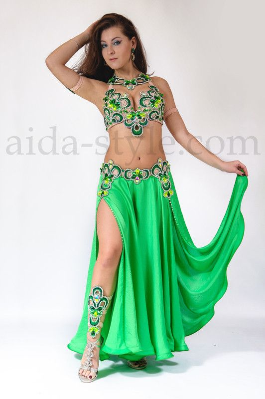 3fc227937f8 Beautiful emerald-green professional belly dance costume with lace  decoration. Costume is very convenient. Bra stripes and back holder are  stretchable.