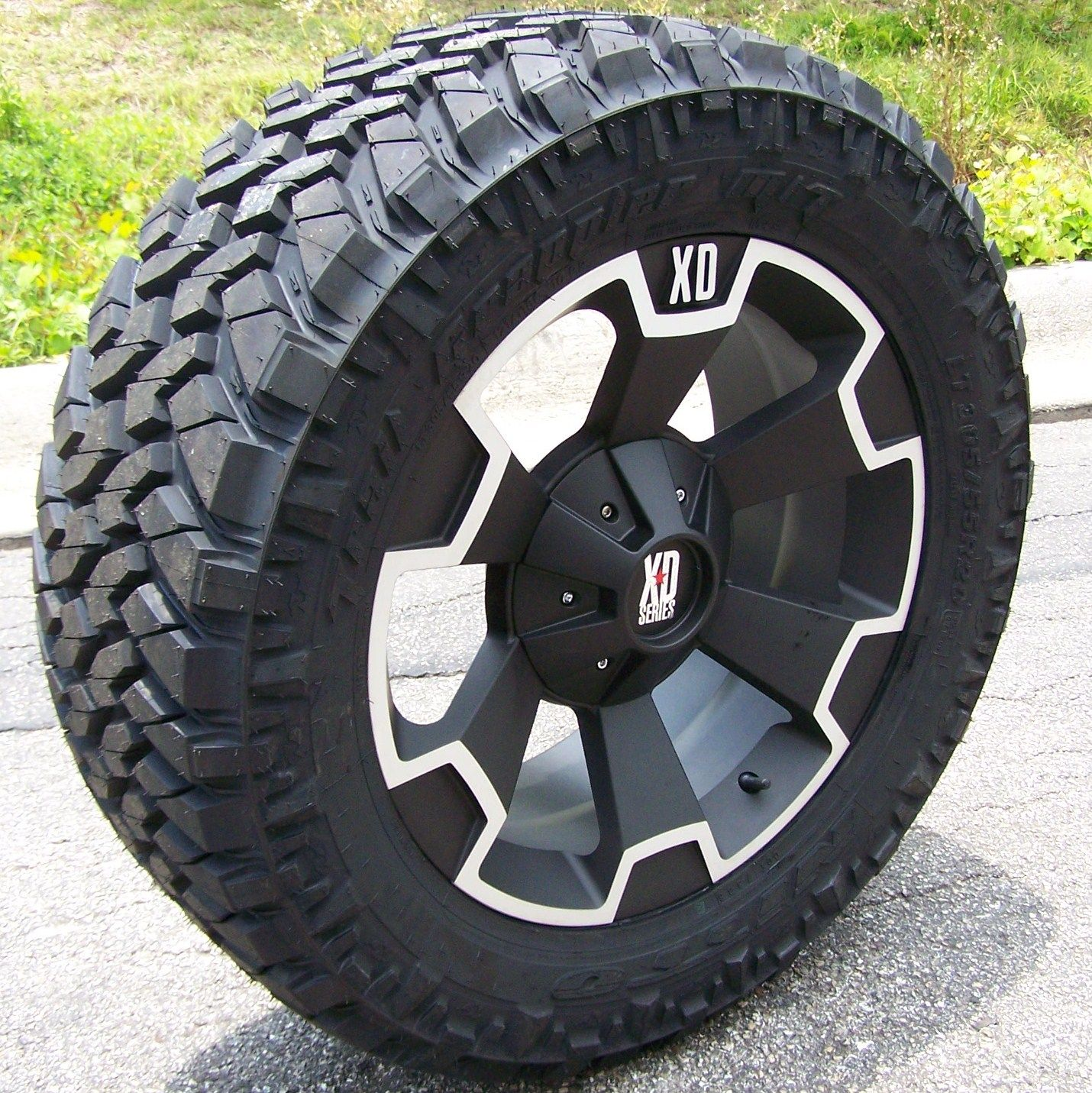 jeep wheels and tires packages 18 black xd thump wheels nitto trail grappler jeep wrangler. Black Bedroom Furniture Sets. Home Design Ideas
