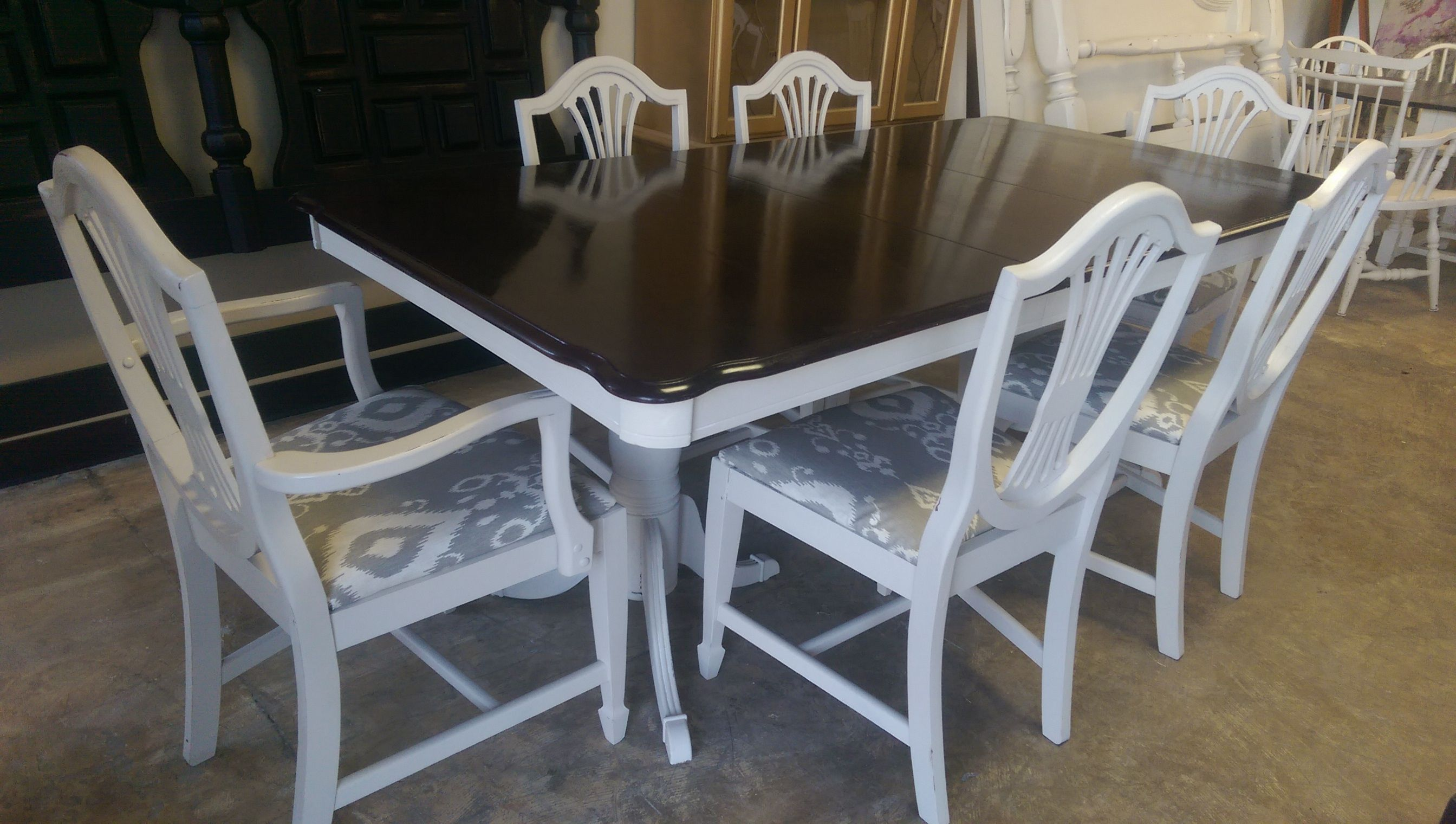 Here Is A Very Elegant Table And Six Chairs Perfect For That Large Texas Sized Dining Room What D French Country Furniture Shabby Chic Dining French Furniture