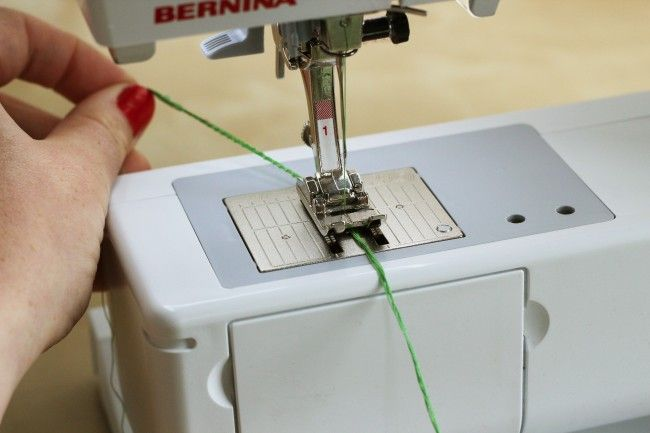 Tutorial Making Thread Belt Loops 40 Ways To Use Them Sewing Extraordinary Loops And Threads Sewing Machine