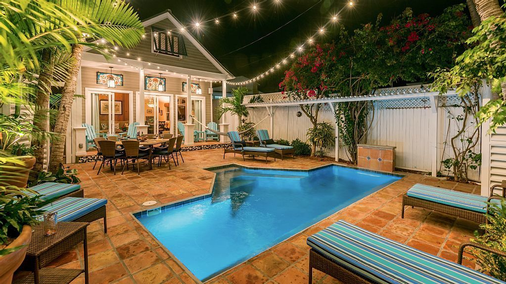 Fantastic 5 Resort Feel Homeaways In Key West Florida Usa In 2019 Interior Design Ideas Apansoteloinfo