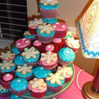 Cupcakes For Winter Themed Baby Shower I Love To Bake Pinterest