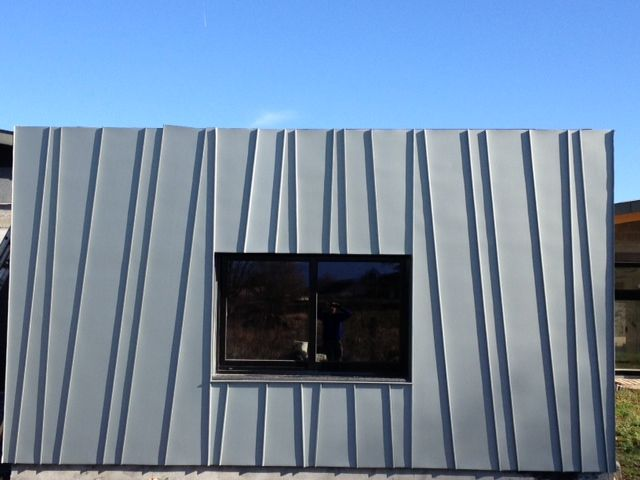 Bardage pose de gouttieres alu habillage planches de for Materiaux couverture toiture maison