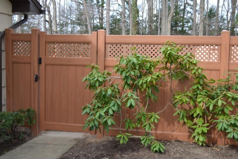 vinyl fence that looks like wood. really want this but