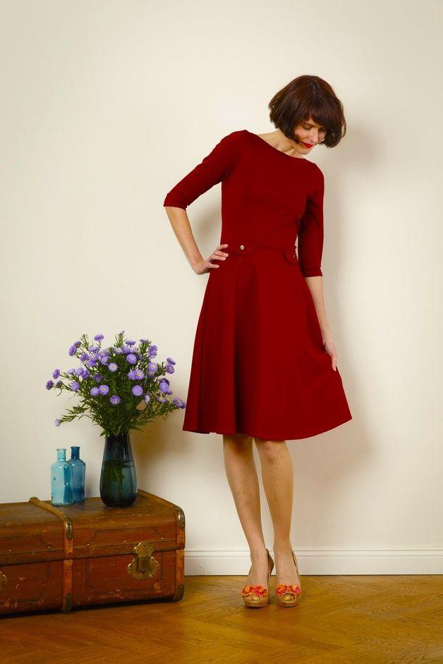 elegantes jerseykleid elisa mit tellerrock h puku kleider outfit und knielange kleider. Black Bedroom Furniture Sets. Home Design Ideas