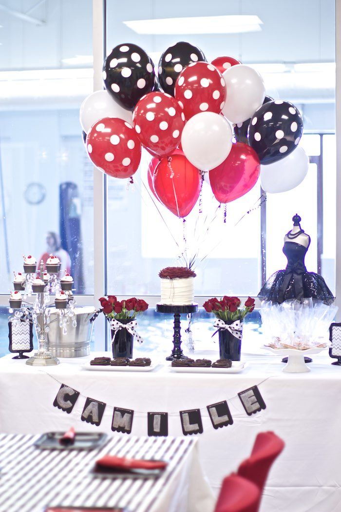 Black White Red Elegant Birthday Party Paleta de cores