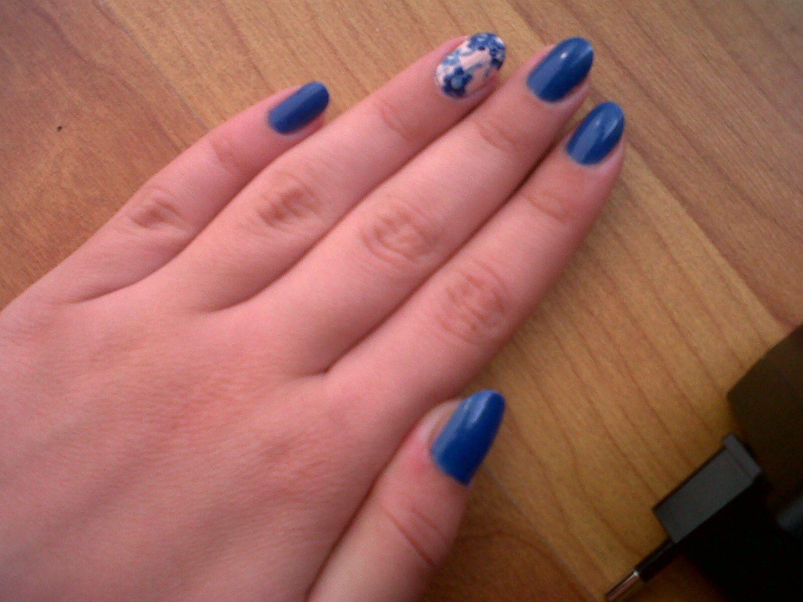 pinky's blue