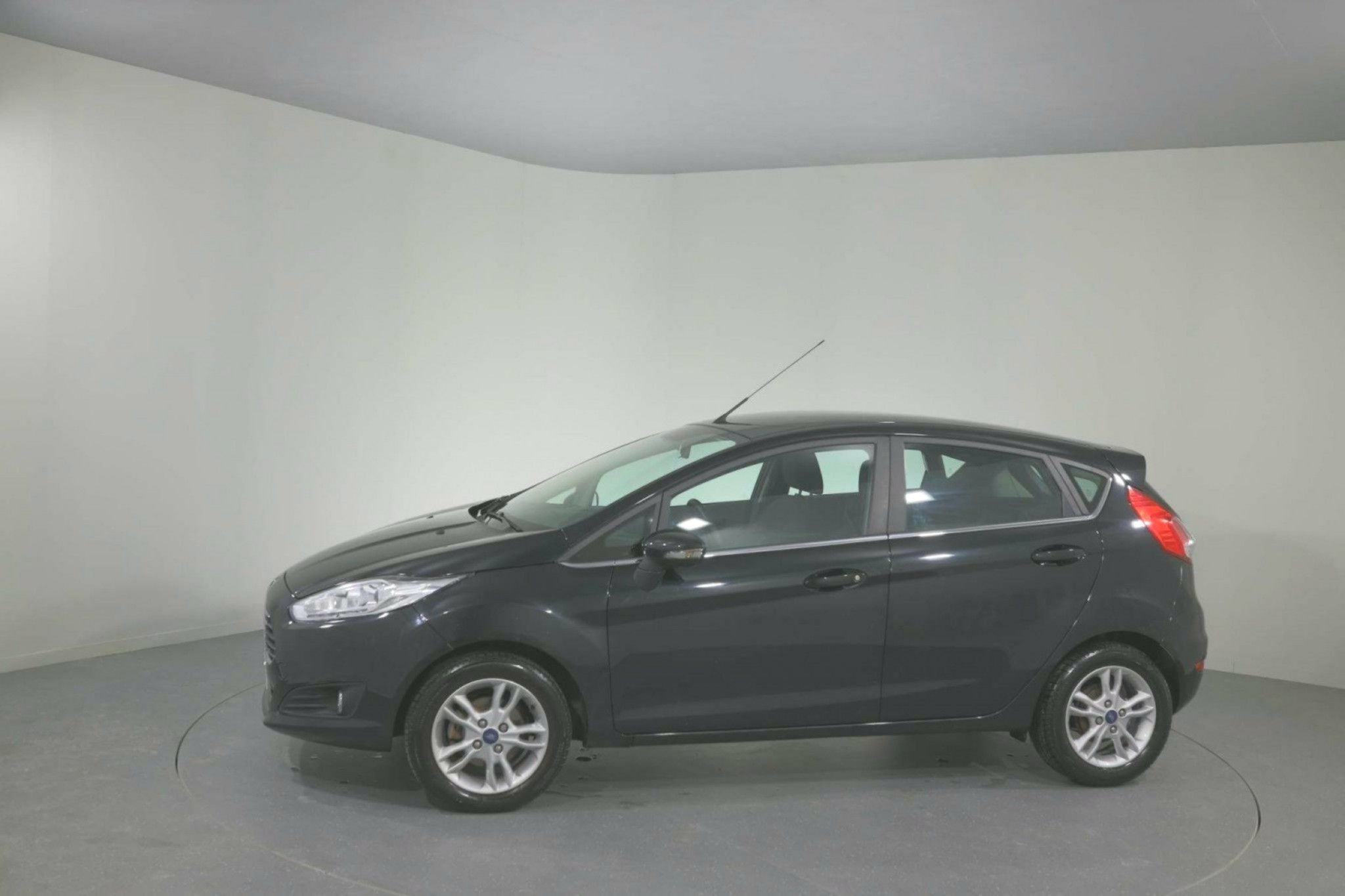 Ford Fiesta 125 Zetec 5dr For Sale Ford Fiestas Car