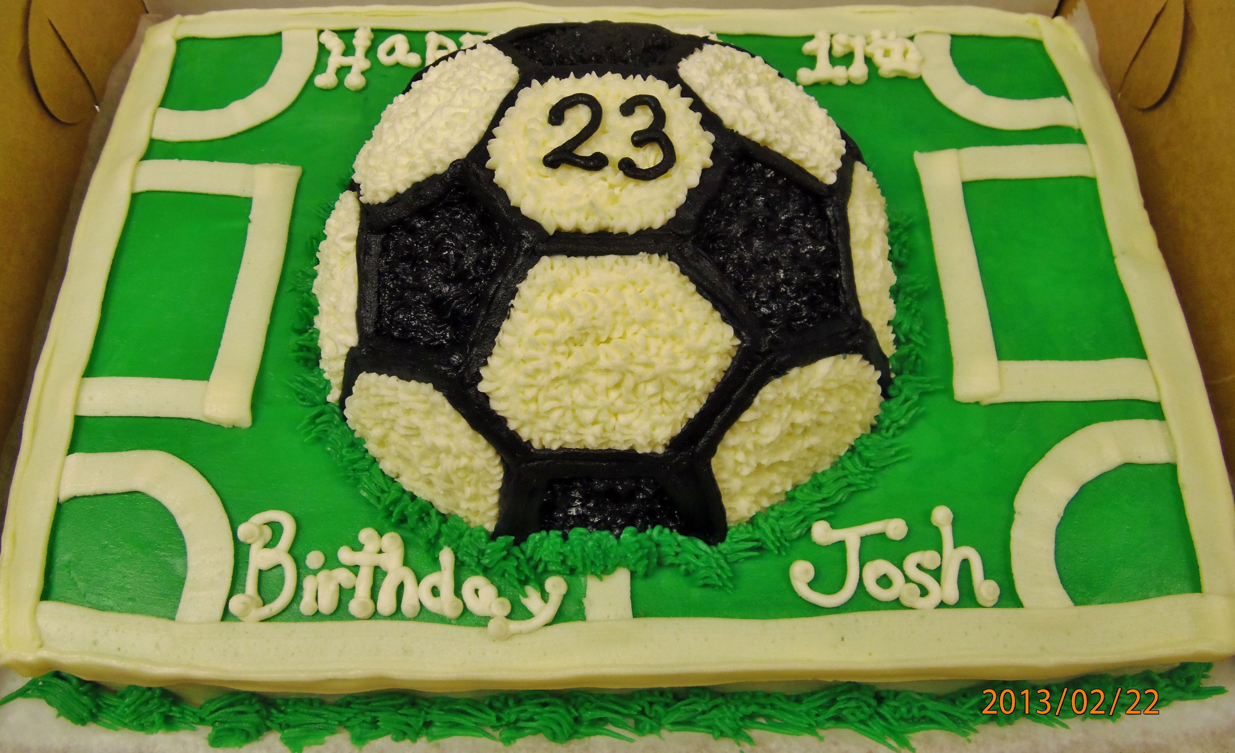 Soccer Design Cake In Buttercream Amazing Cakes Cake Cake Decorating