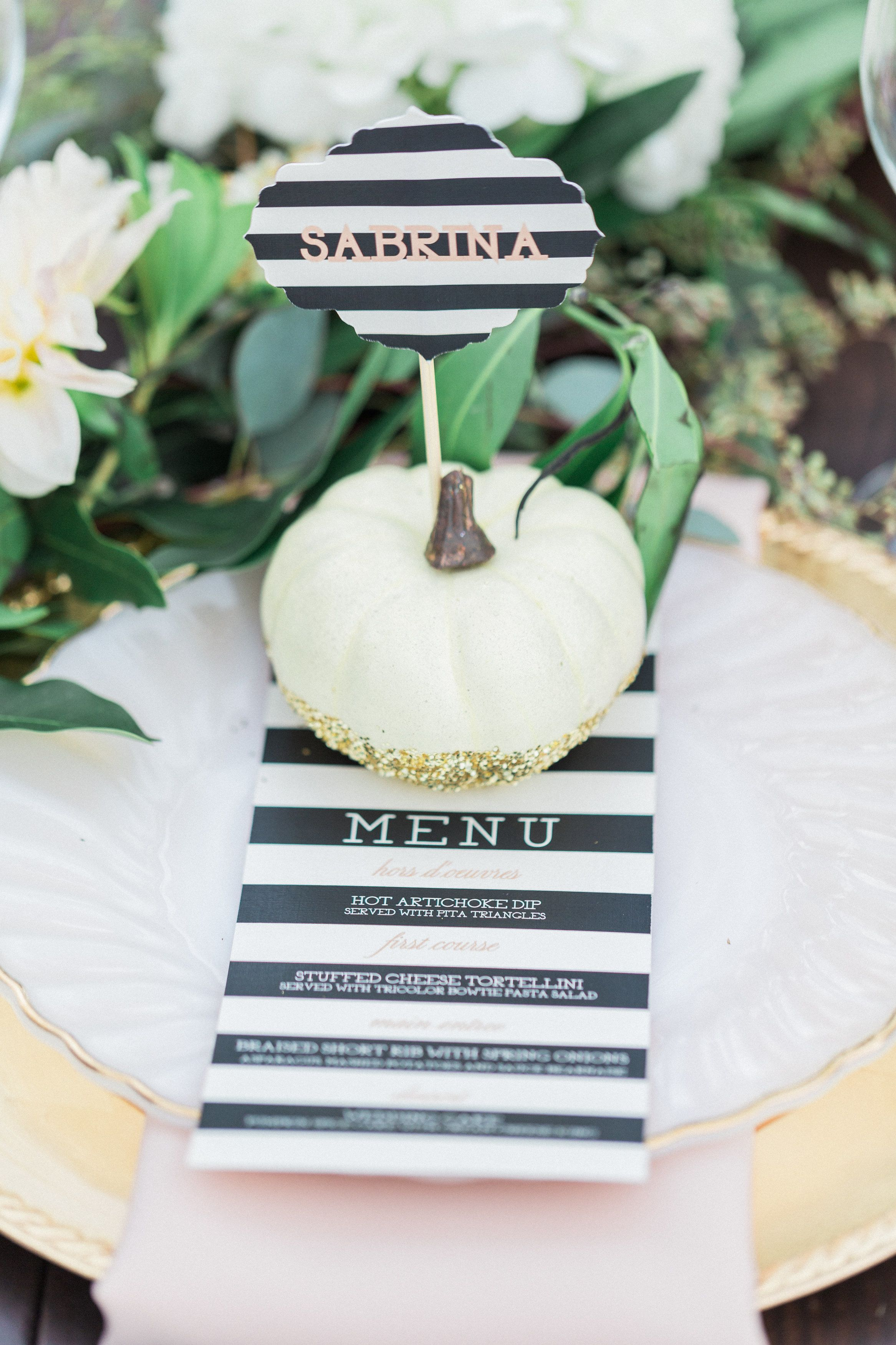 Elegant Halloween Wedding Inspiration | Halloween weddings, Place ...