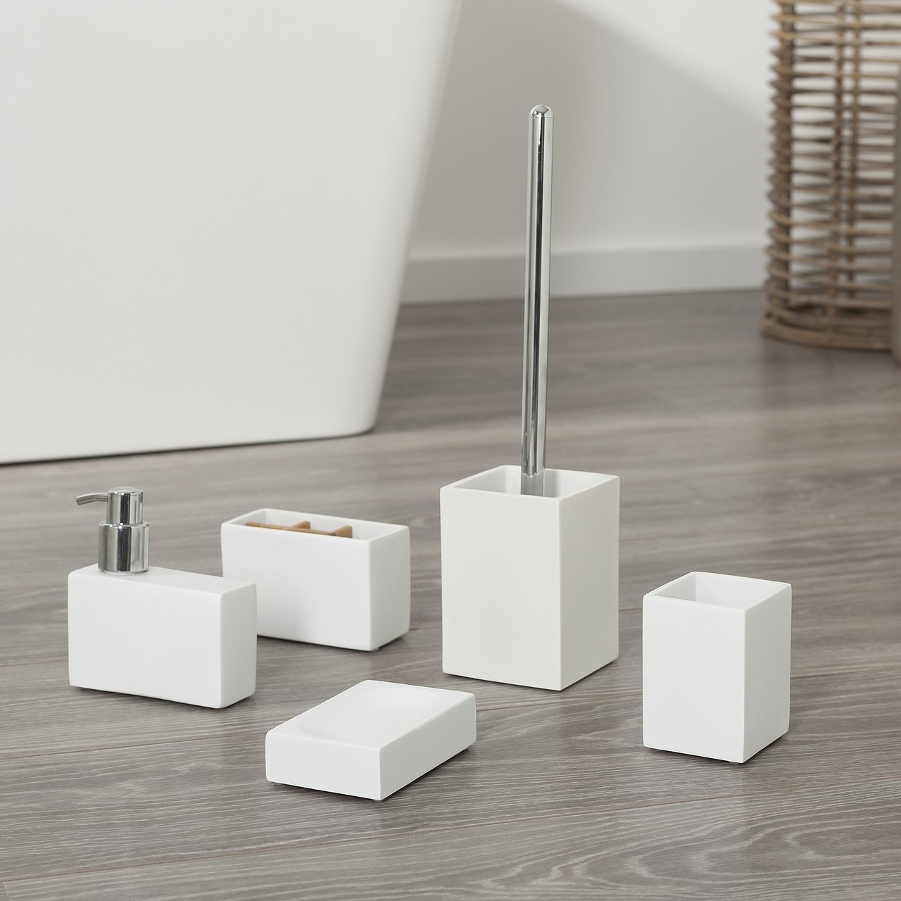 Sealskin 5 Piece Bathroom Accessories Set Cura In White Polyresin