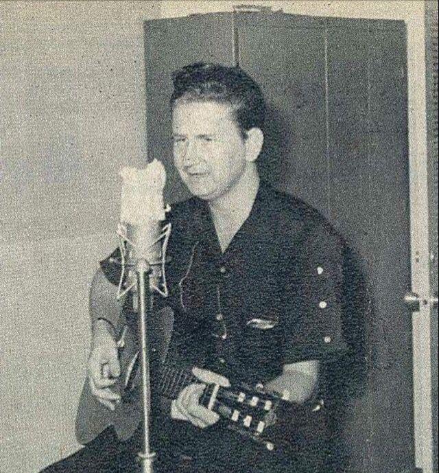 Young Roy In the studio | Roy orbison, Music memories, Popular music