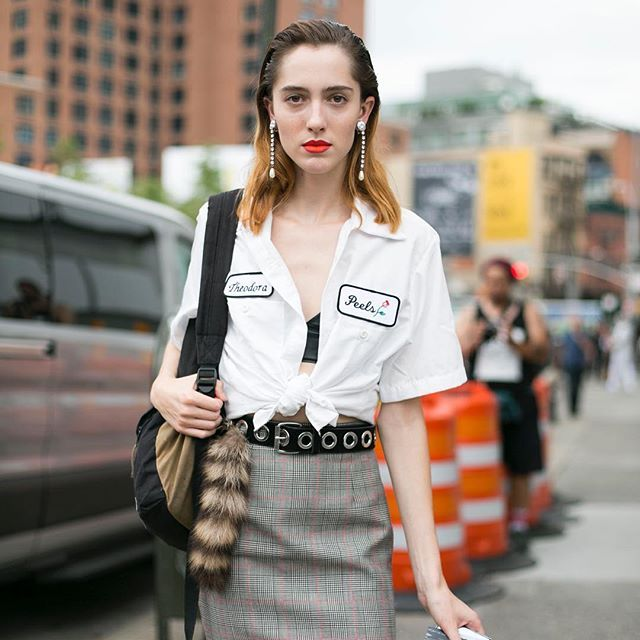Can't get enough of Teddy Quinlivan 😍 This is actually one of my favourite streetstyle shots of the whole fashion month. Teddy in Miu Miu  by Adriano Cisani at NYFW 👏🏻👏🏻👏🏻 @teddy_quinlivan @miumiu @whatastreet @thecomplainers #fashion #streetstyle #nyfw2016 #teddyquinlivan #model #modeloffduty #ootd #tbt #miumiu #adrianocisani #whatastreet #photographer #ny #Themoodshake #life #style #mood