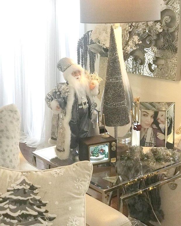: My girls in the picture are adding so much more beauty to this side table???????????? ?????????????????????????????? #decor #decorgoals #instadecor #interiordesign #interiordesigner #glam #glamdecor #homegoods #pier1 #lovedecor #livingroomdecor #christmasdecor #decorinspo #decorationinspiration #inspire_me_home_decor #zgalleriemoment #zgallerie #homegoals #beautifulroom #diningroom #diningroomdecor #tablesetting #interiordecorating #instagood #tradtional
