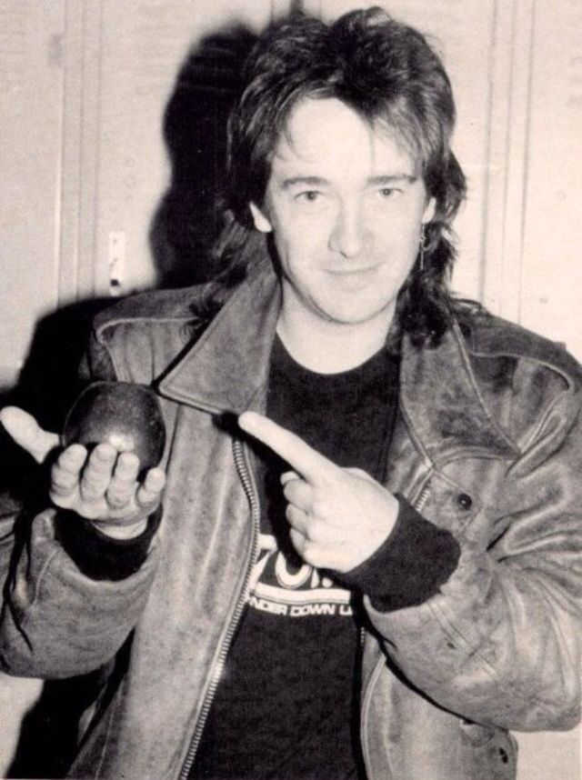 Adrian Smith So cute here:3